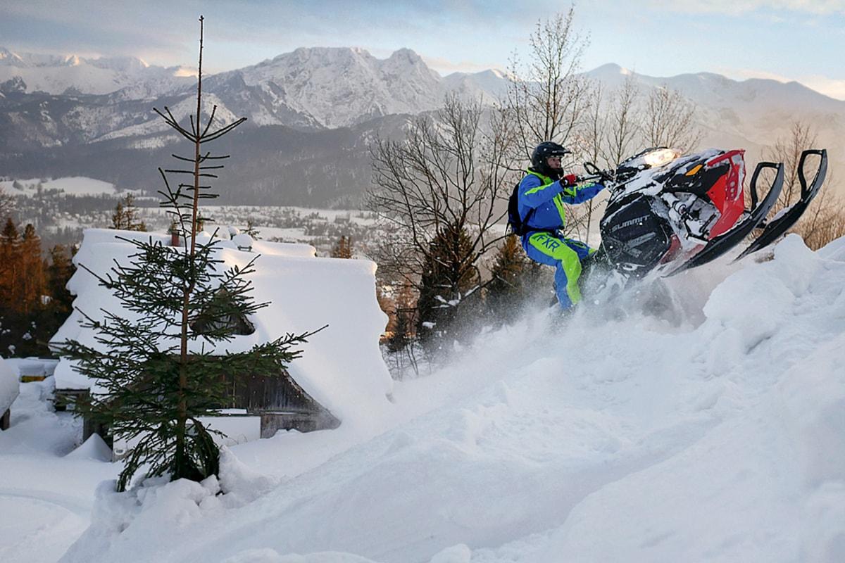 nauka-jazdy-na-skuterach-snieznych-szkolenia-zdj-02