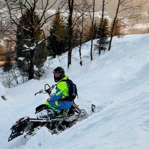nauka-jazdy-na-skuterach-snieznych-szkolenia-zdj-04