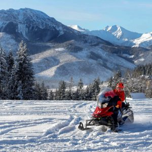 nauka-jazdy-na-skuterach-snieznych-szkolenia-zdj-09