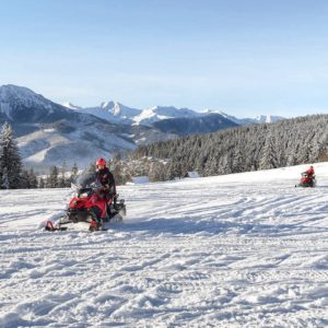 nauka-jazdy-na-skuterach-snieznych-szkolenia-zdj-10