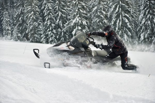 nauka-jazdy-na-skuterach-snieznych-szkolenia-zdj-20