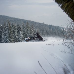 nauka-jazdy-na-skuterach-snieznych-szkolenia-zdj-25